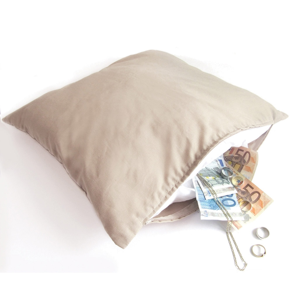 Cuscino con vano segreto oggetti strani e curiosi dmail for Oggetti casa strani
