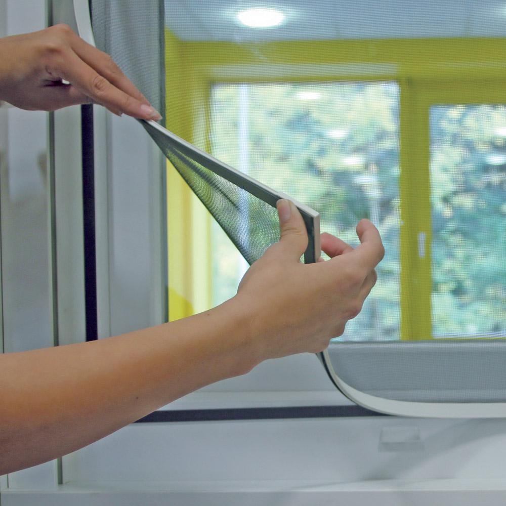 Zanzariera con cornice magnetica insetticidi e - Zanzariera magnetica finestra ...